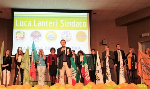 """Elezioni comunali a Imperia: folla all'Auditorium per la presentazione delle cinque liste a sostegno di Luca Lanteri. """"Faremo un'Olioliva 365 giorni all'anno"""""""