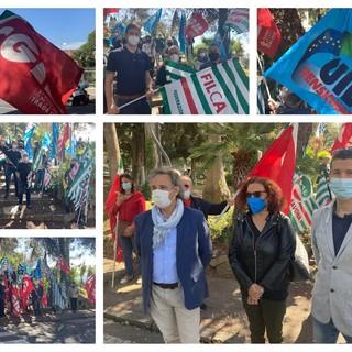 Imperia, morti sul lavoro triplicate nel 2020 nonostante il lockdown, i sindacati protestano in prefettura (foto e video)