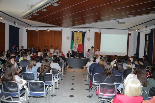 Taggia: Premio Erven 2018, alla scuola media di Badalucco la medaglia d'oro. Tutti i premiati di quest'anno (Foto)