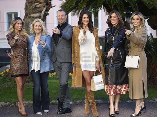 #Sanremo2020, il photocall con Amadeus, Diletta Leotta, Antonella Clerici, Emma D'Aquino, Laura Chimenti e Francesca Sofia Novello