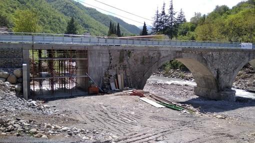 Borghetto d'Arroscia, ricostruito il ponte che collega Ubaga e Montecalvo: 400 mila euro erogati dalla Regione