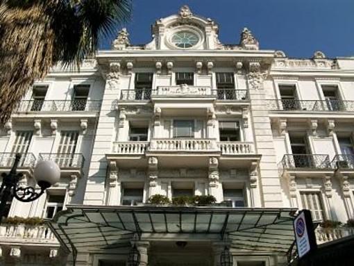 Sanremo: infiltrazioni d'acqua a Palazzo Bellevue, qualche disagio per gli uffici Viabilità e Tari