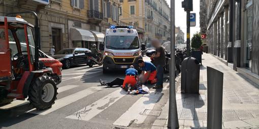 Sanremo: investito da un autocarro in via Roma, 35enne portato in Ospedale