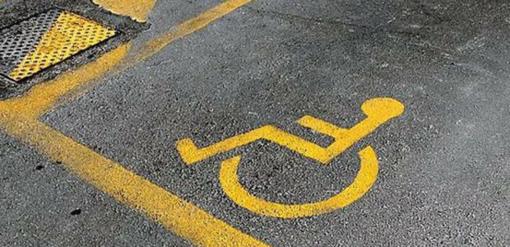 Sanremo: troppi parcheggi per disabili utilizzati come stalli personali, le proteste di una lettrice