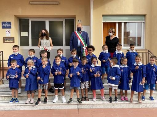 """Riva Ligure: primo giorno di scuola alla primaria 'Pertini', Giuffra """"Il ritorno sui banchi è il ritorno alla vita"""""""