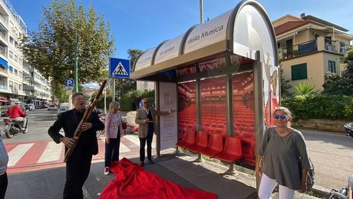 Sanremo: fermata dell'autobus diventa un teatro, la Sinfonica presenta la stagione della 'ripartenza' a fianco della città