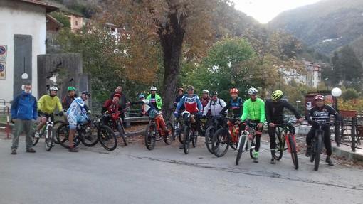 Pigna: con la partecipazione di circa 30 atleti. successo per la 1ª pedalatata ecologica sul Toraggio (foto)