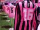 La maglia numero 16 del Palermo di Roberto Biffi al museo delle maglie storiche rosanero nel post Instagram dell'allenatore