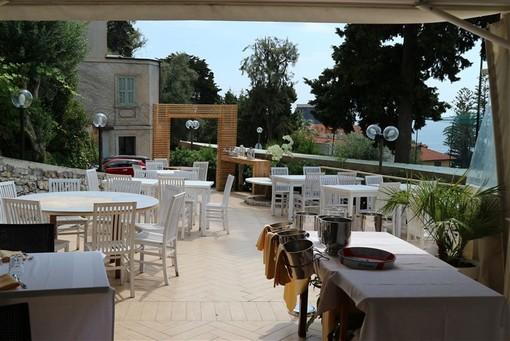 """Sanremo: """"Boscobello"""" un ristorante raffinato nel verde di un parco secolare a pochi passi dal centro città"""