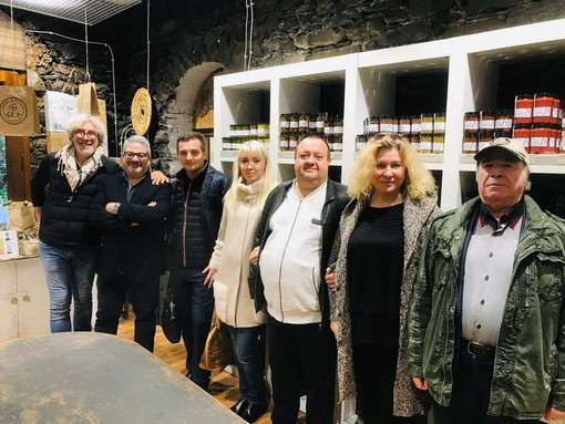 Imprenditori russi in visita a Badalucco alla scoperta della tradizione culturale millenaria dell'entroterra ligure