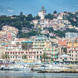 Sanremo: i ringraziamenti di una lettrice ad un giovane agente immobiliare