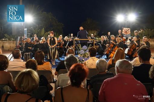Un concerto della Sinfonica a Villa Ormond l'estate scorsa