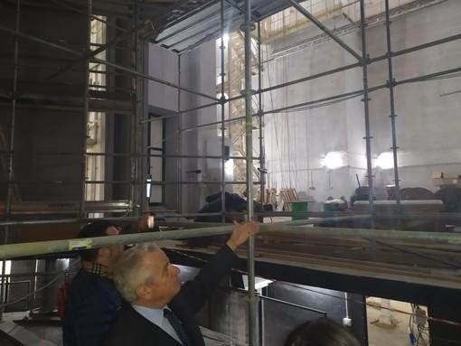 """Imperia: sopralluogo del Sindaco Scajola al teatro Cavour, """"Ospiterà la cultura della nostra città"""" (foto)"""