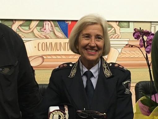 Diano Marina, cerimonia di saluto per Daniela Bozzano che lascia il comando della municipale dopo 33 anni di servizio (Foto e video)