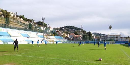 La Sanremese al lavoro per preparare la sfida sul campo del Vado (foto Sanremese Calcio)