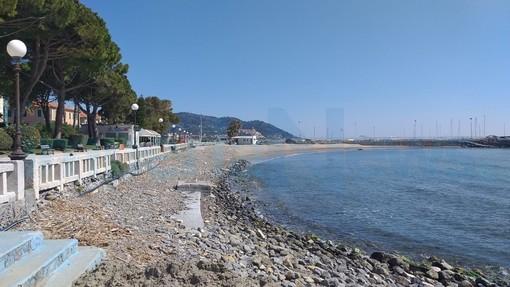 """Bandiera blu a Diano Marina, 'Diano Riparte' replica alla maggioranza: """"Merito di Rivieracqua e degli stabilimenti balneari"""""""