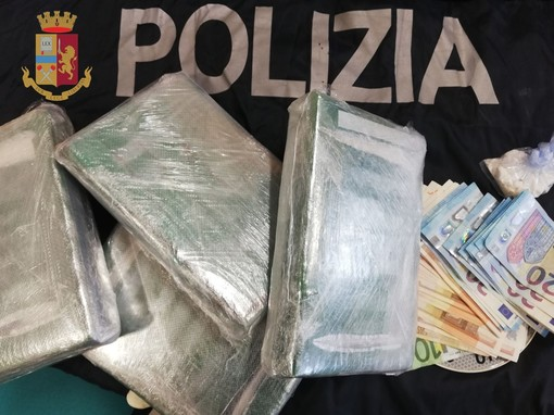 La Liguria ai primi posti per le operazioni antidroga, aumentano i sequestri di cocaina ed eroina. I dati della relazione annuale della Direzione Centrale per i Servizi Antidroga