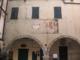 Stemmi sulla facciata del Palazzo Pretorio in Piazza Oratorio dei Dolori