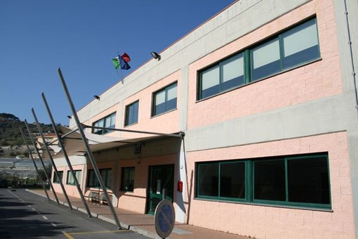 San Lorenzo al Mare: pubblicato il bando per la gestione del servizio mensa scolastica, base di 216 mila euro per quattro anni