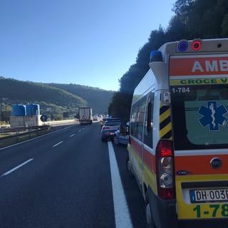 Uomo in stato confusionale vaga sull'A10 tra Ventimiglia e Bordighera: soccorso dalla Croce Verde Intemelia (Foto)