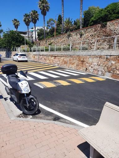 Sanremo: strisce pedonali contro muro fotografate da turisti stranieri, un residente ne chiede la modifica