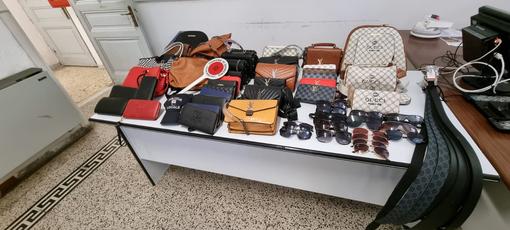 Sanremo: polizia locale sequestra merce contraffatta intorno al mercato ambulante