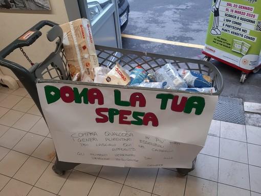 Emergenza Coronavirus: a Sanremo nasce il gruppo Facebook 'Aiuti concreti nell'emergenza', spesa sospesa ma non solo