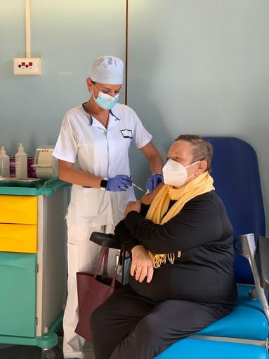 Coronavirus: al via oggi in Liguria la somministrazione in regime ospedaliero delle terze dosi di vaccino a pazienti immunocompromessi