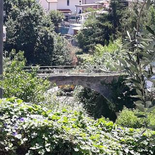 Sanremo: escavatore rumoroso a Borgo Tinasso, un residente chiede immediati interventi