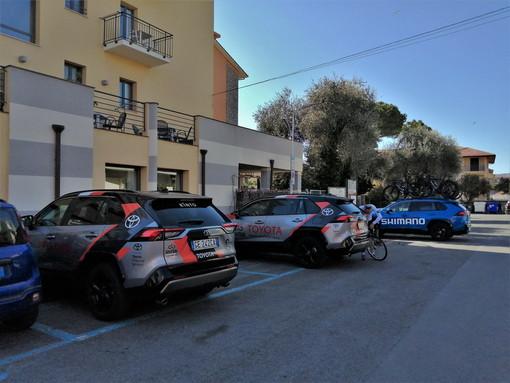 Ciclismo, quattro team a San Bartolomeo al Mare: l'Hotel Europa scelto come base logistica in vista del Trofeo Laigueglia