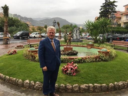 Ventimiglia: completata la riqualificazione della fontana del Putto con l'installazione delle tartarughe (Foto)