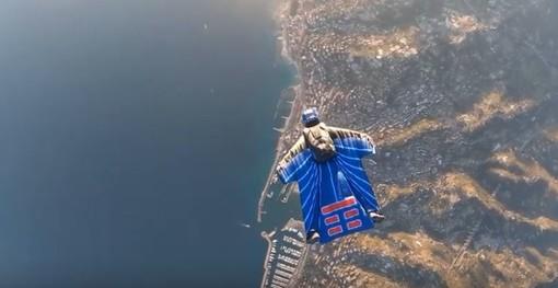 Grazie a TIM spettacolari immagini di Sanremo vista dall'alto durante la serata finale del Festival