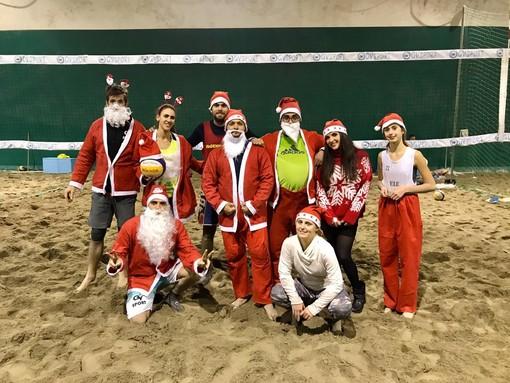 Beach Volley. Si è concluso il torneo dei 'Babbi di Natale' alla Gv Sport
