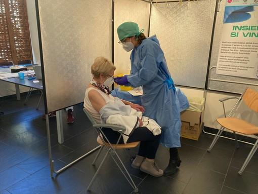 Vaccino anti-covid: Alisa raccomanda alle Asl di programmare percorsi ad hoc per le persone non registrate nel Ssr