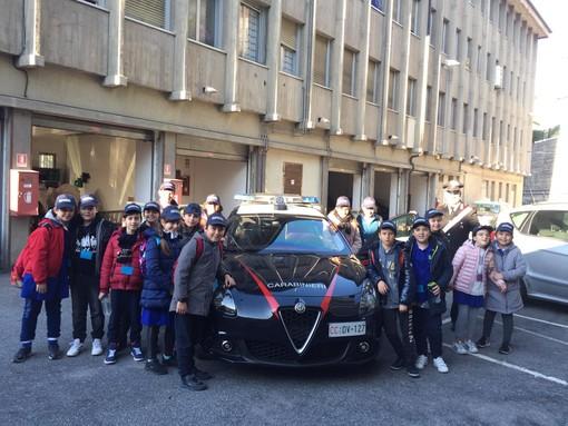 Sanremo: bambini della scuola Asquasciati in visita alla caserma dei Carabinieri