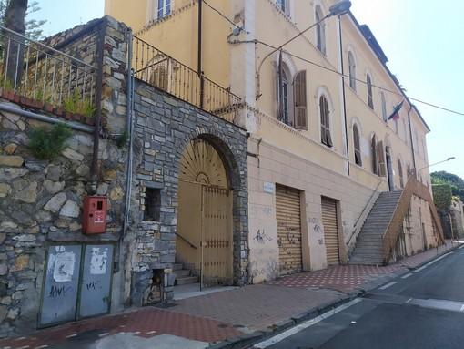 Imperia: il comune rimette in vendita l'ex asilo di via Nicolò Berio, l'acquirente dovrà demolirlo e costruire un immobile in un'altra zona della città