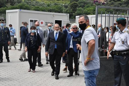 """Ventimiglia: immigrazione e Campo Roya, il Prefetto Michele Di Bari """"Terreno fertile per un'inversione di tendenza"""", il sindaco """"Chiediamo intervento definitivo"""" (Foto e Video)"""