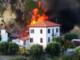 Vasto incendio in via Franco Alfano a Sanremo: fiamme vicino alle case, intervento dei Vigili del Fuoco (Foto e Video)