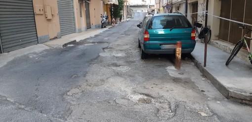 Sanremo: Via Privata Astraldi in pessime condizioni, la segnalazione con foto di un lettore